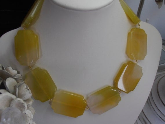 pale yellow agate gemstone 40x30mm by
