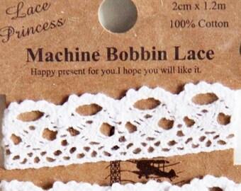 1.2 metres Machine Bobbin Lace-White Cotton Lace. Srapbooking. Gift Wrapping (Design 2)