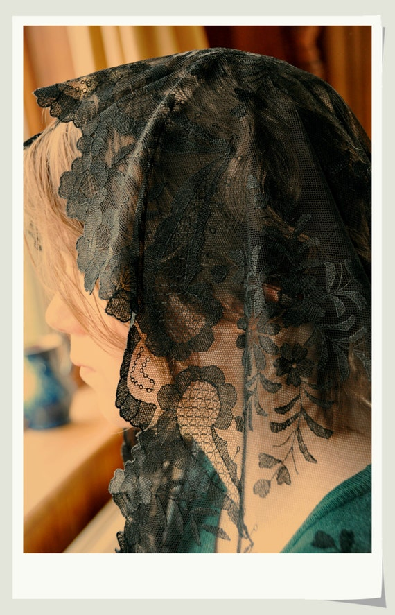 100% Hand Embroidered catholic lace mantilla chapel veil