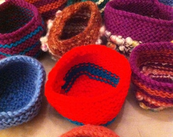 Knitted bangle bowl