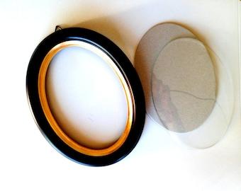 "8""x10"" Black Oval Wood Frame"