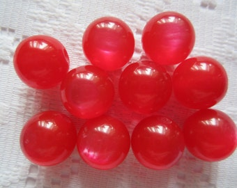 15  Red Fiber Optic Cats Eye Luster Round Acrylic Resin Beads  10mm