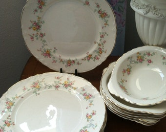 Taylor Smith China USA Gold Scolloped Edges With Raised Detail