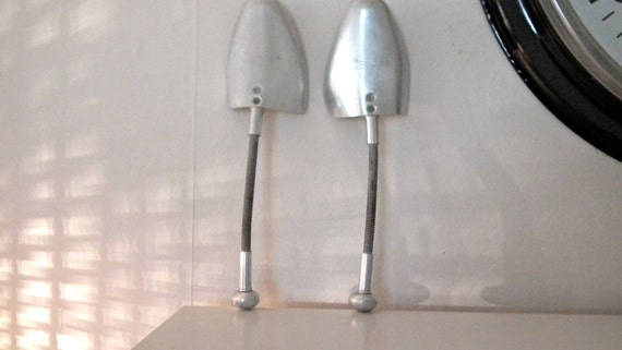Pair of size 6 x 7 vintage of Vic-tree aluminium sprung shoe trees/lasts made in England