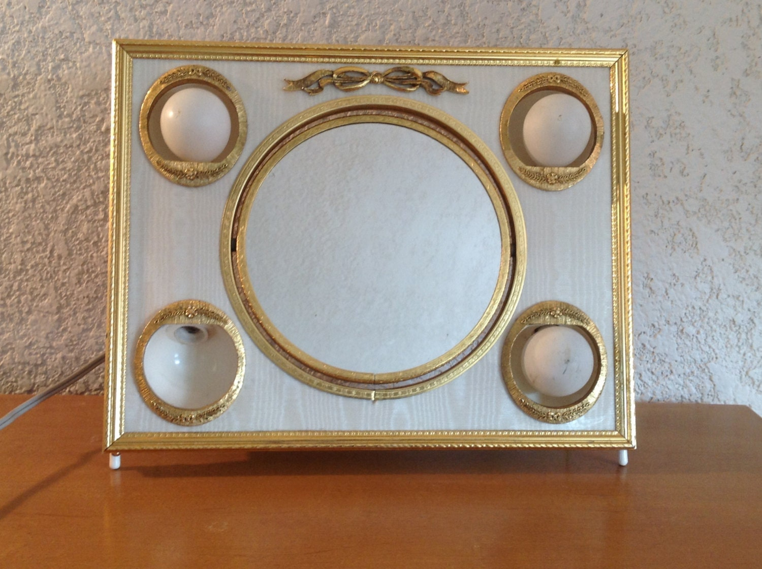 Vintage Vanity Mirror With Lights : Vintage Matson Vanity Mirror with lighted frame. Ornate gold
