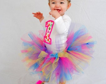 First birthday tutu set with pigtail bows and footbows.