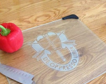 Army SPECIAL FORCES Crest etched on Glass Cutting Board