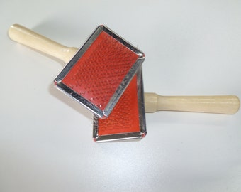 Mini carding brush