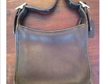 Coach Vintage Beautiful Lustrous Chocolate Brown Shoulder Bag Adjustable Strap Beautiful Coach Vintage Brown Leather Shoulderbag