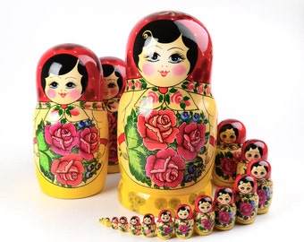 20 pieces Red Roses Matryoshka Nesting Doll