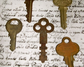 5 Keys to be used in Jewelry, Art, Collage,Hang on Ribbon,Neck jewelry,Crafting,Collecting