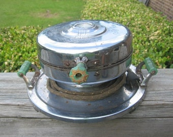 1940's  Waffle Iron With Wood Green Handles with Thermostat Display Made By Justrite Company