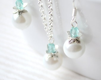 Light Blue Bridesmaids Jewelry set of Necklace and earrings Blue bridesmaids gift set wedding party jewelry beaded Something blue jewellery