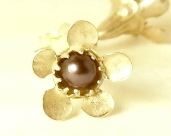 Bridesmaid earring fine black pearl & silver flower posts