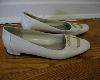 SALE - 1960s White Leather Flats
