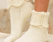 Hand knitted socks in wool for women, girls, made to order