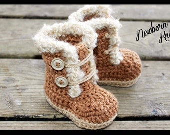 Crochet Pattern for Boys or Girls Fur Trim Booties. Pattern number 015. Instant Download