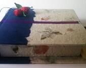 Close your precious moments in a box. Handmade.