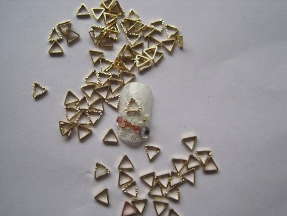 MD-163 30pcs Fancy Metal Charms Gold Triangle Shape Charms Nail Art Decoration Cellphone Decoration