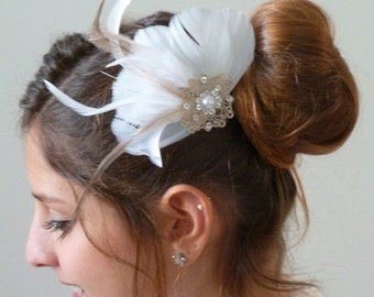 Feather Bridal Fascinator ,feather bridal hair piece, Bridal Hair Flower Headpiece, White Flower Hairpiece, Hair Accessory
