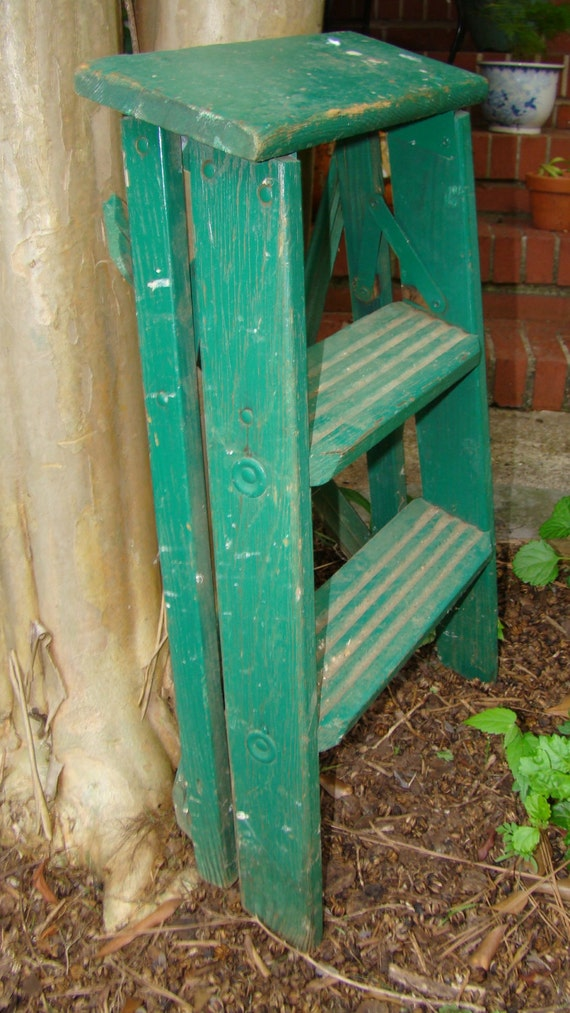 Vintage wood step ladder forest green distressed studio for Old wooden ladder projects