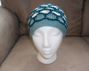 Jade Honeycomb - Tri-Color Knit Hat in Honeycomb Pattern