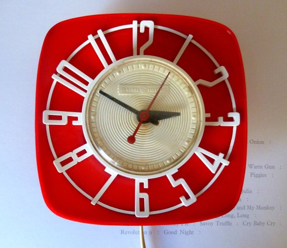 Red And White Vintage 1960s General Electric Telechron Wall