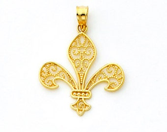 14k Gold Filigree Fleur-d-lis Pendant