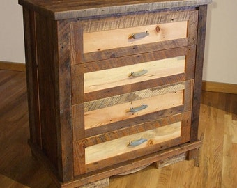 Reclaimed Wood Rustic 4-Drawer Dresser