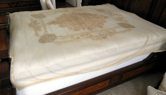 ON SALE - Vintage Alencon Ivory Lace Beadspread