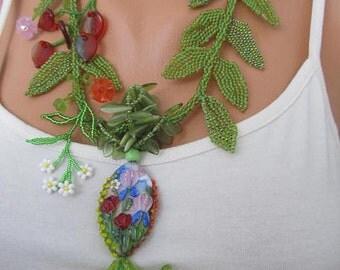 FLOWERING MEADOW summer necklace