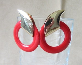 Vintage 80's Gold & Red Metal Enameled Sliding Post Hoop Earrings, Bold Retro Large Hoops, Big Earrings Fashion Jewelry, Glamour Ladies Gift