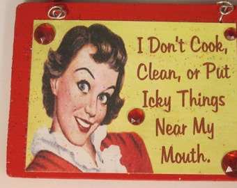 Retro woman funny sassy humor ornament wall hanging sign - Things to put on a wall ...