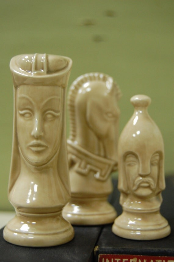 Vintage Duncan Chess Pieces Gothic Tchotchke Medieval