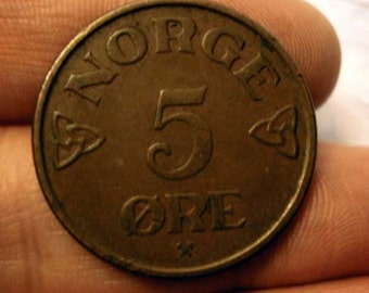 Coin Connoisseur - Vintage copper coin from Norway - Crowned Monogram - Number 7 - Viking - KM 400 - circulated