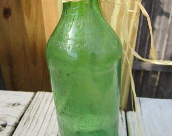Very Early Vintage Green Glass 7-Up Bottle