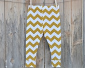 Baby Leggings, MADE TO ORDER, Mustard Chevron, Light-weight Cotton Leggings by The Little Spoons