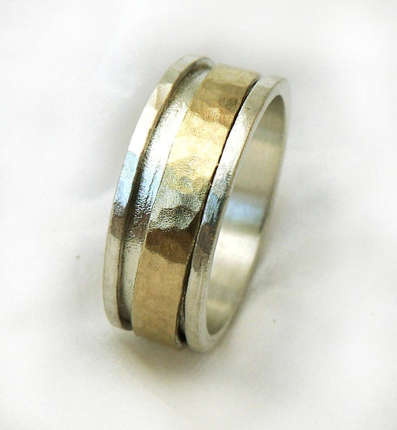 gold spinner men 39 s ring men 39 s wedding band hammered. Black Bedroom Furniture Sets. Home Design Ideas