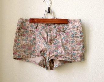 Floral Patterned Spring Shorts