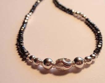 Black Spinell  Necklace  (JK620)