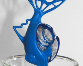 Tea infuser ball to infuse loose leaf tea. Blue Dunkfish, Straight in your cup, infuse and brew you a cup of tea! BPA Free, Dishwasher Safe