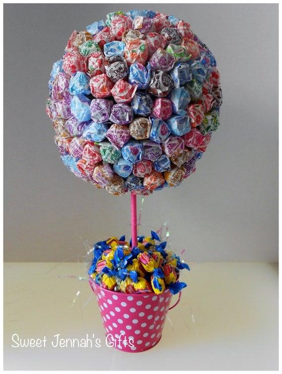 Dum lollipop centerpiece in cute pink polka dot tin pail