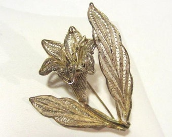 Vintage sterling silver Flower Filigree brooch