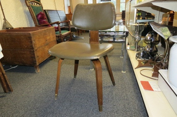 eames era thonet bent plywood chair with brass feet. Black Bedroom Furniture Sets. Home Design Ideas