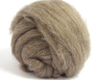 Light Brown De-haired Llama Top / Roving - Spinning Fibre / Fiber - Felting