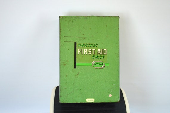 Metal Cabinet Pacific First Aid Supply Case Industrial Green 1950s 1960s Wall Mounted