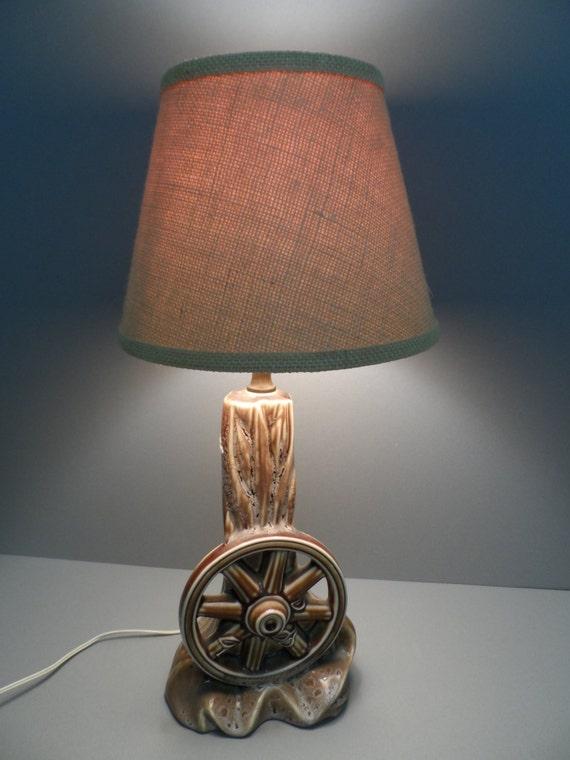 Retro Wagon Wheel Table Lamp