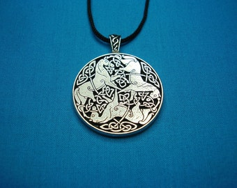 Large Tri Celtic Horses Circular Pendant in Silver Pewter, Handmade, Handcast STK044