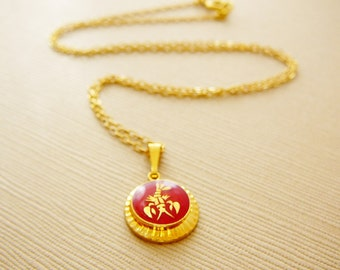 Vintage .. Necklace, Charm, Chain Cancer the Crab Horoscope Goldtone Red