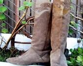 Velvet Goldmine - Vintage 1980s Throwback Suede Boots - Size 8/8.5